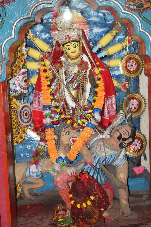 কংসনারায়ণ নয়, বাঙলায় প্রথম দুর্গাপূজা মল্লরাজার
